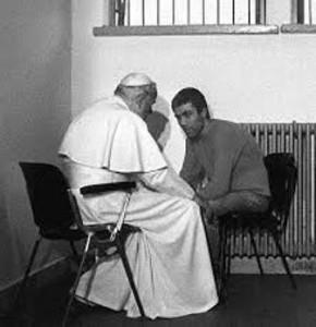 Ali Agca a colloquio col papa